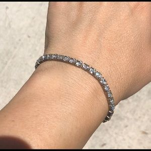 Jewelry - Bracelet with elastic and sparkly gemstones